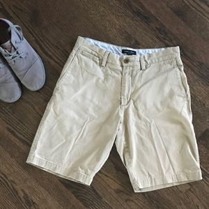 Banana Republic Size 31 Khaki Shorts